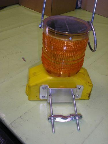 Haltebügel zu Warnleuchte Solar